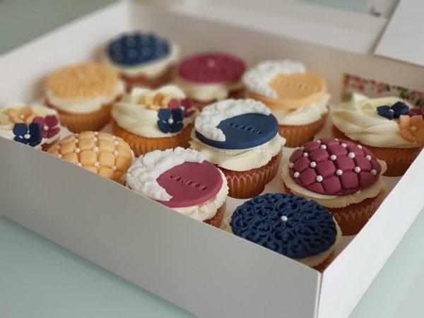 Cup Cakes Item 5 (12 cupcakes)